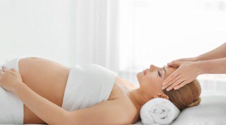 4 syytä käydä hieronnassa raskauden aikana